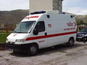 https://beritaanehtapinyata.files.wordpress.com/2010/11/ambulans1.jpg?w=300